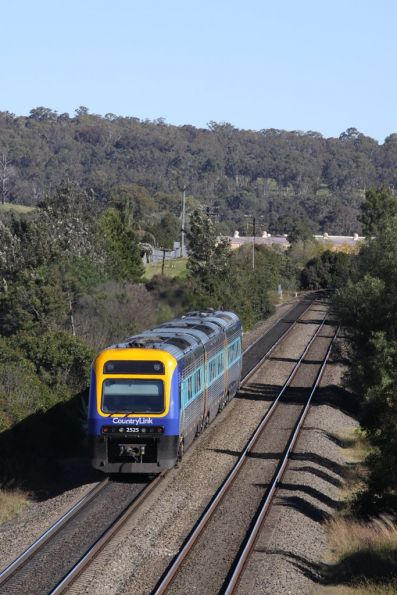 Xplorer 2525 trails a CountryLink service headed south from Picton