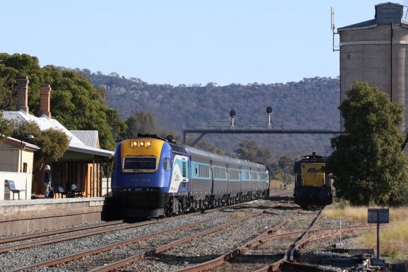 XPT slowing down for a single passenger at The Rock