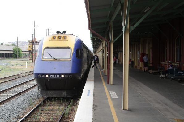 Sydney-bound XPT stops for a crew change at Albury