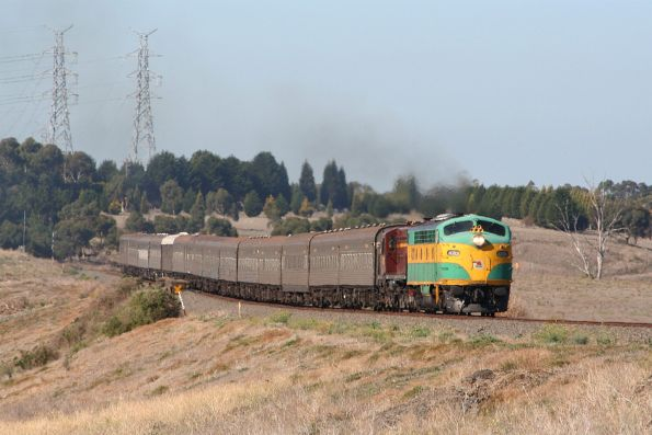 A bit further down the line, 4201 and 4520 approach the former station at Moorabool