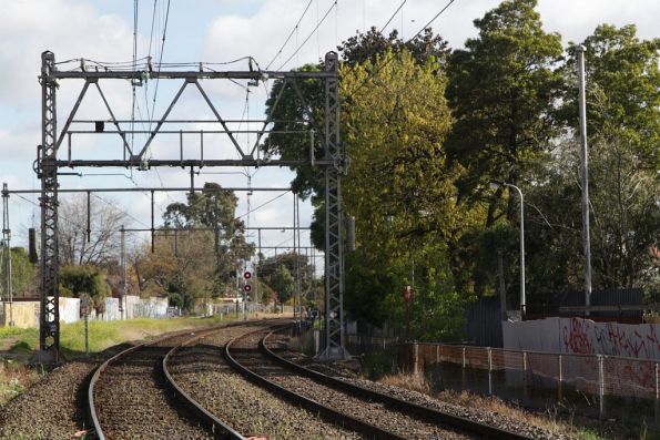 Merz-style tensioning structures just south of Essendon station