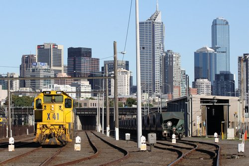 X41 and A81 stabled at Melbourne Yard along with the Apex train rake