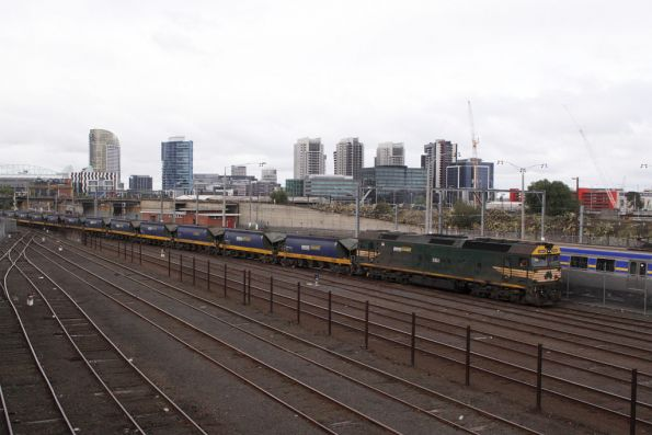 G524 arrives into Melbourne Yard with the empty train from Westall