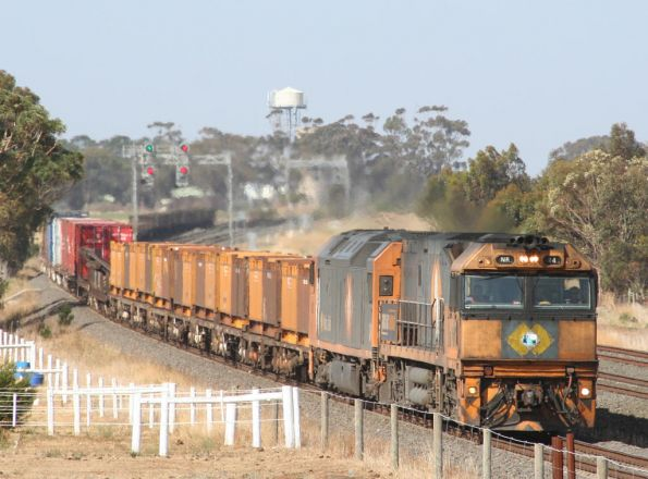 NR34 and AN2 on an Adelaide bound steel train at Little River