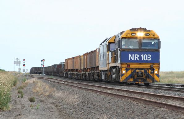 NR103 and BL35 arrive at Gheringhap Loop with a westbound steel train