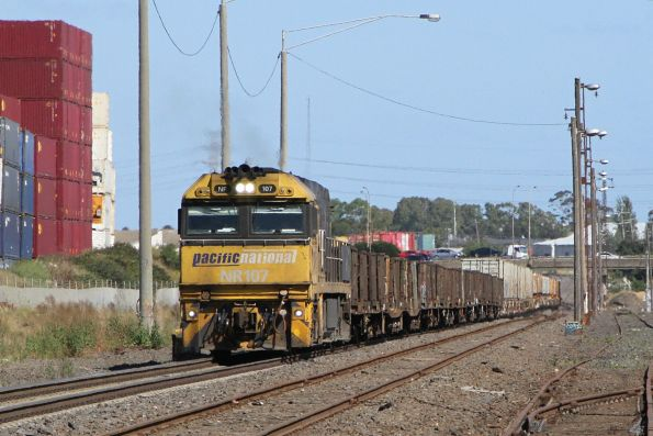 Solo NR107 leads 3XM4 up steel train through Brooklyn
