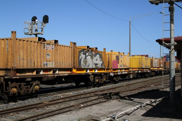 'Butterbox' steel containers on 3XM4 up steel train at Brooklyn