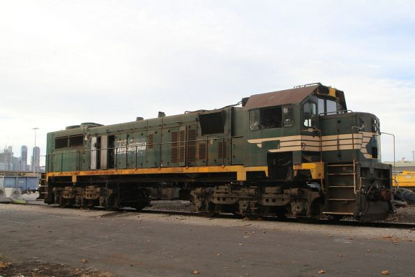 X42 ready to be scrapped at the Melbourne Freight Terminal
