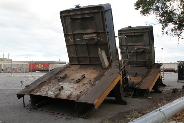 Toilet at the long end of X41 and X42 waiting to be removed from South Dynon