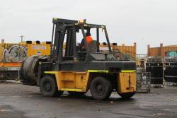 Moving a D32B-D14 main generator by forklift