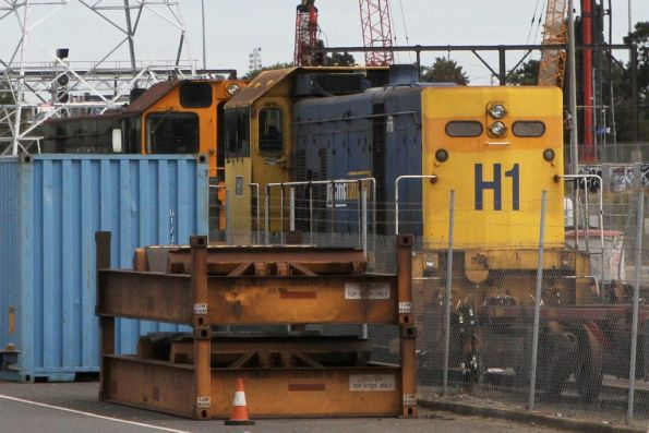 Standard gauge locomotives Y152 and H1 waiting to be scrapped at North Dynon