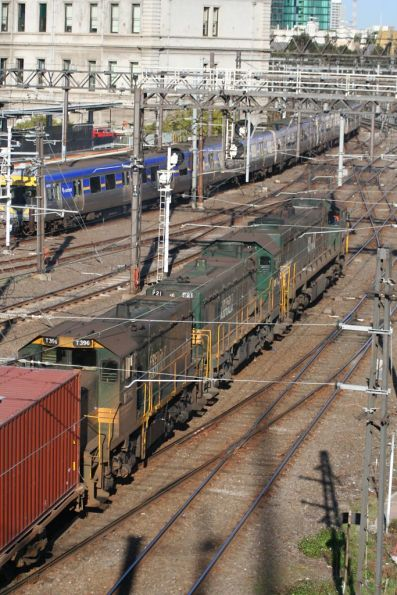 X37, P21 and T396 lead the down Maryvale freight past Southern Cross Station