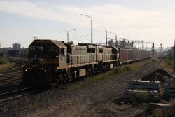 XR552 leads X42 through Sims Street Junction with the down paper train