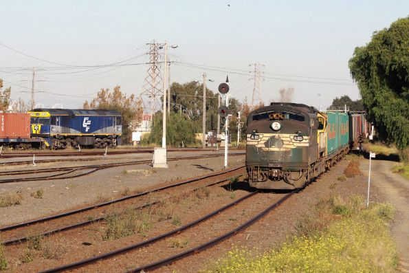 A85 leads the down Maryvale at North Dynon, GL101 shunting in the background