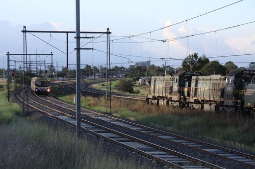 P22, P20 and A81 heads towards Sunshine via the goods lines
