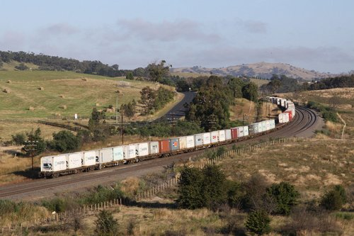 Rolling through the hills towards Kilmore East