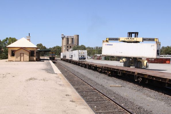 G525 stabled at the up end of the yard, as unloading continues