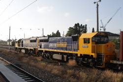 XR557 and XR553 lead the down Tocumwal freight onto the broad gauge tracks at West Footscray