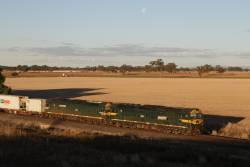 G543 and G539 about to lead the up Tocumwal freight under the new Nagambie Bypass