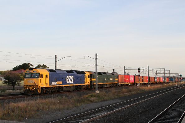 G522 and G529 lead a down Tocumwal freight (via Seymour) through Sunshine
