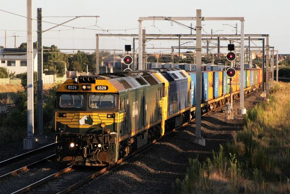 G529 and G531 lead the down Tocumwal freight through Sunshine on the down