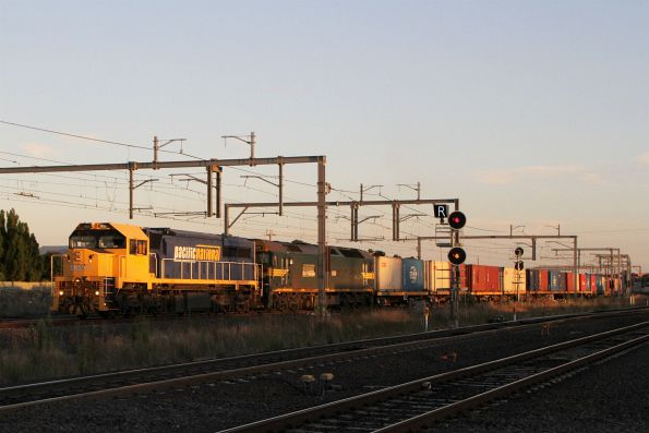XR557 leads G529 on the down Tocumwal freight through Sunshine