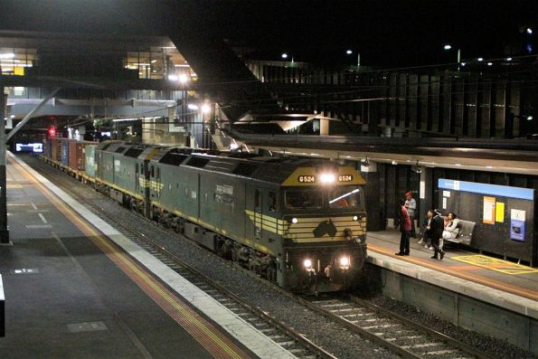 G524 leads G528 on the up Tocumwal freight at Sunshine