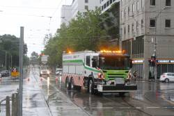 R10 recovery truck arrives at William and La Trobe Street