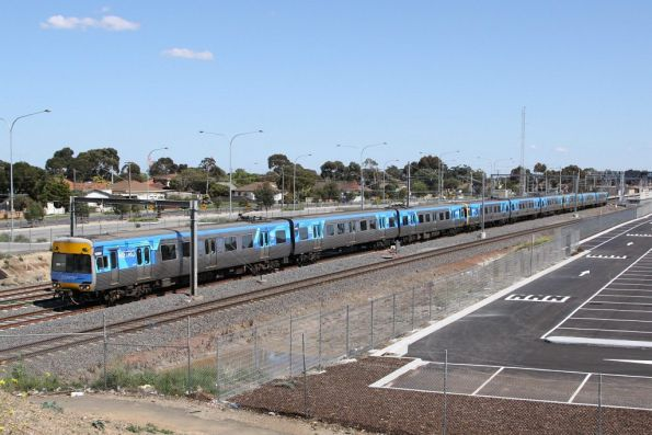 [Fake] 9-car Comeng set at Laverton on the up