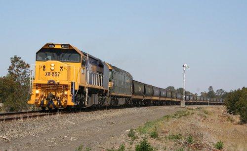 XR557 and G513 on a Ballarat bound grain train at Meredith