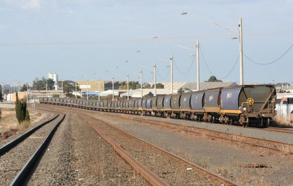 Locos cut off the grain hoppers at North Geelong C