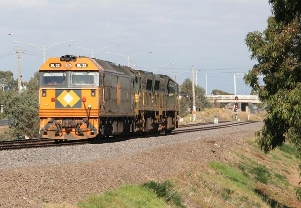 BL32-XR552-XR554 run back from Geelong Loco after turning the XRs