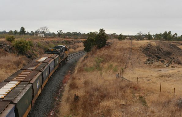 XR557 and XR554 pass the Lethbridge quarry