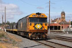 BL32 stabled at Maryborough on a grain train