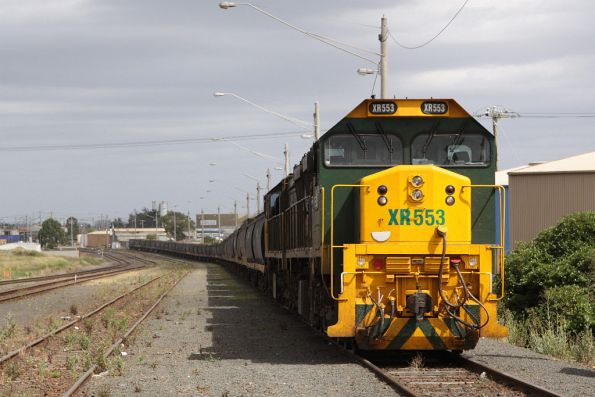 XR553 and XR552 awaiting departure from North Geelong C