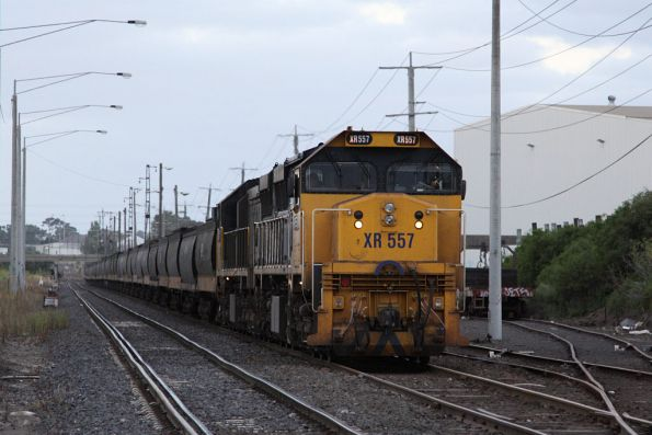 Waiting line at Brooklyn, XR557 and XR550 on an up broad gauge grain