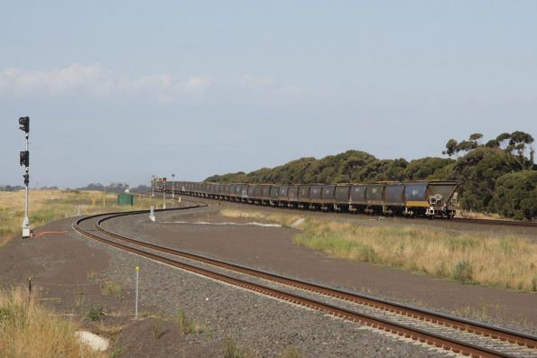 Tail end of the 40 wagon broad gauge grain, lead by XR551 and G524 on the up at Manor Loop