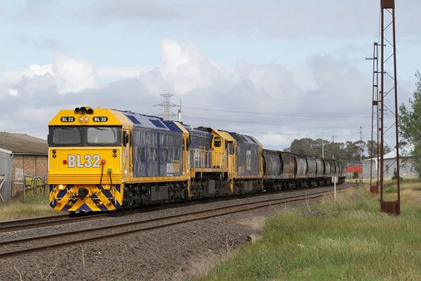 Pacific National broad gauge grain trains