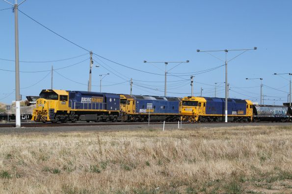 XR555 and G527 stabled at the north end of North Geelong Yard, beside BL32 shunting grain wagons