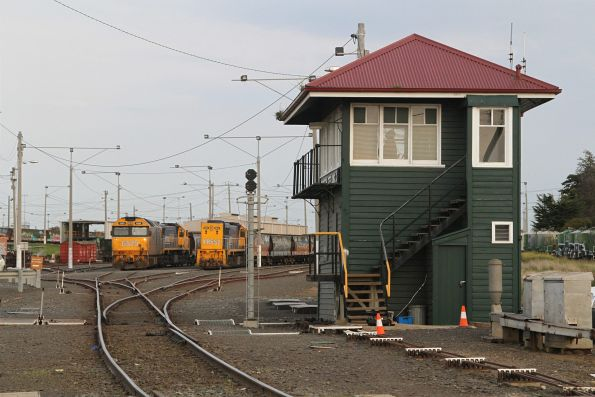 G525, XR554 and XR552 stabled on broad gauge trains at North Geelong Yard