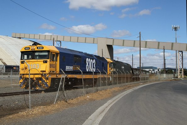 8103 and G523 arrive at Geelong grain loop with a standard gauge train