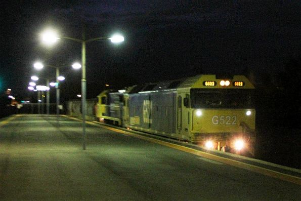 G522 leads XR554 on an up Tocumwal grain at Ardeer