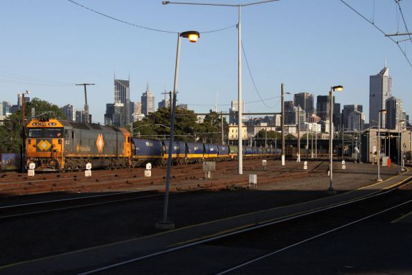 BL32 awaits departure from Melbourne Yard arrivals with a down grain