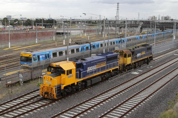 XR551 and X41 run around their train at Melbourne Yard