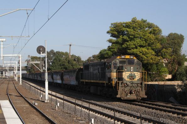 X44 leads the Kensington grain on the goods lines through Middle Footscray