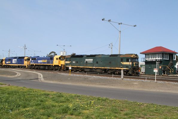 G523, X48 and 8177 exit the Grain Loop at North Geelong C
