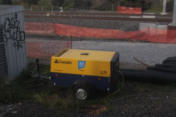 With RRL work underway, Metro have bought a new backup air compressor for the points at Franklin Street