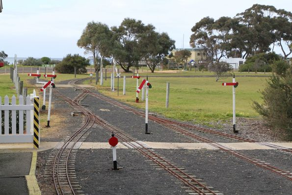 Working semaphore signals at the departure end of the station