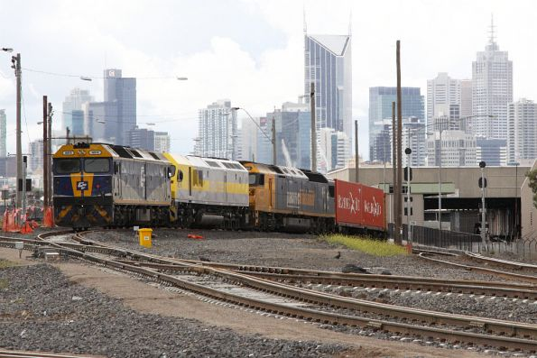 G515, RL310 and AN8 head for North Dynon with the POTA shunt from Swanson Dock