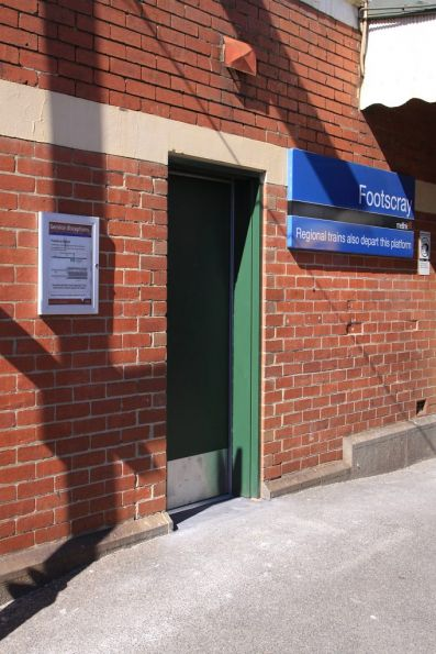 What appears to be the PSO office retrofitted into the station building at Footscray platform 4